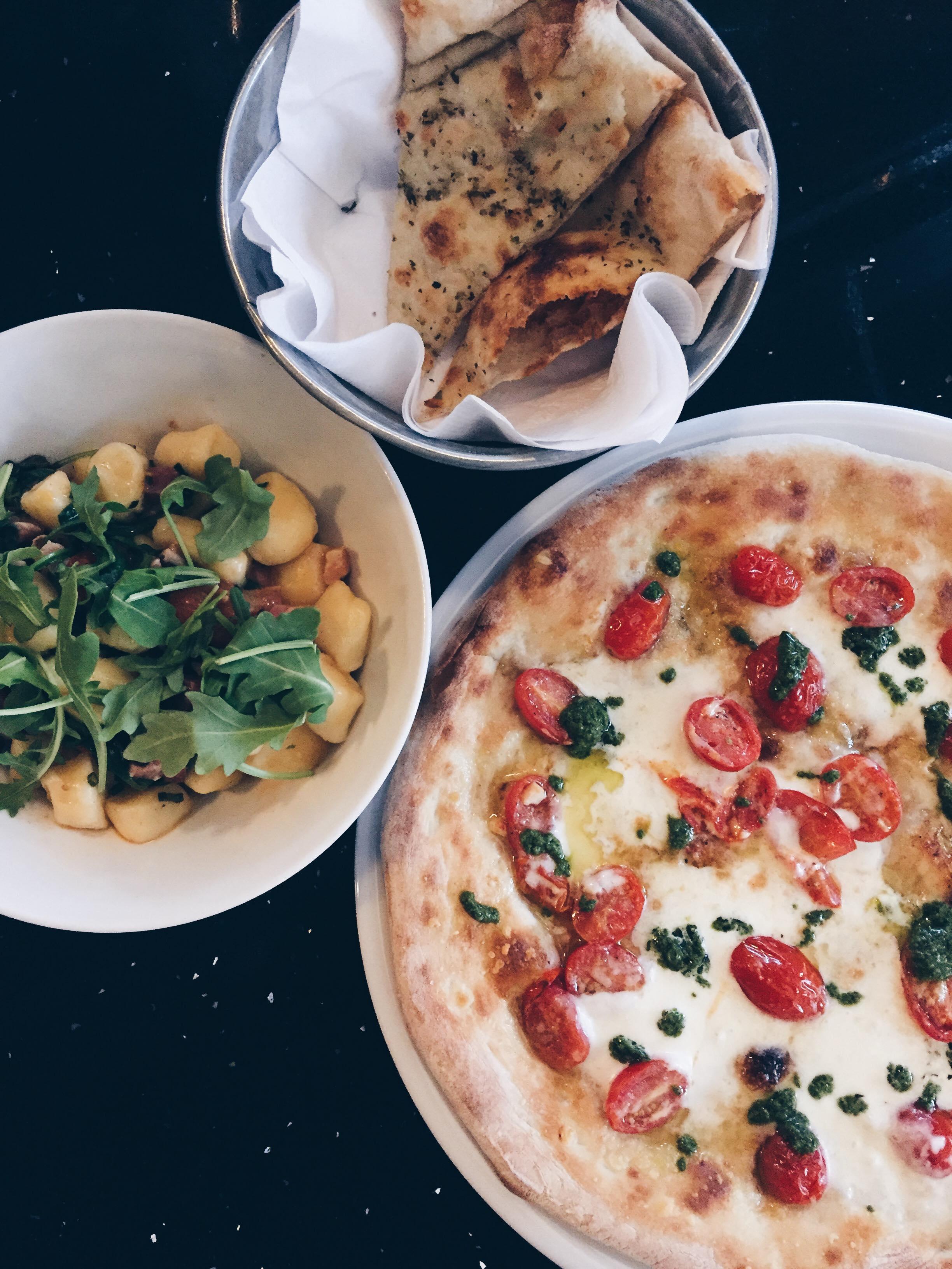 On découvre le nouveau menu du restaurant Pizzaiolle à Montréal.