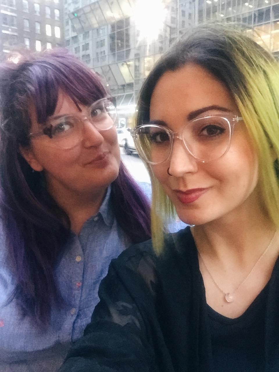 Ariane et Karine font la tournée des terrasses du groupe Ferreira, au centre-ville et tout est délicieux.