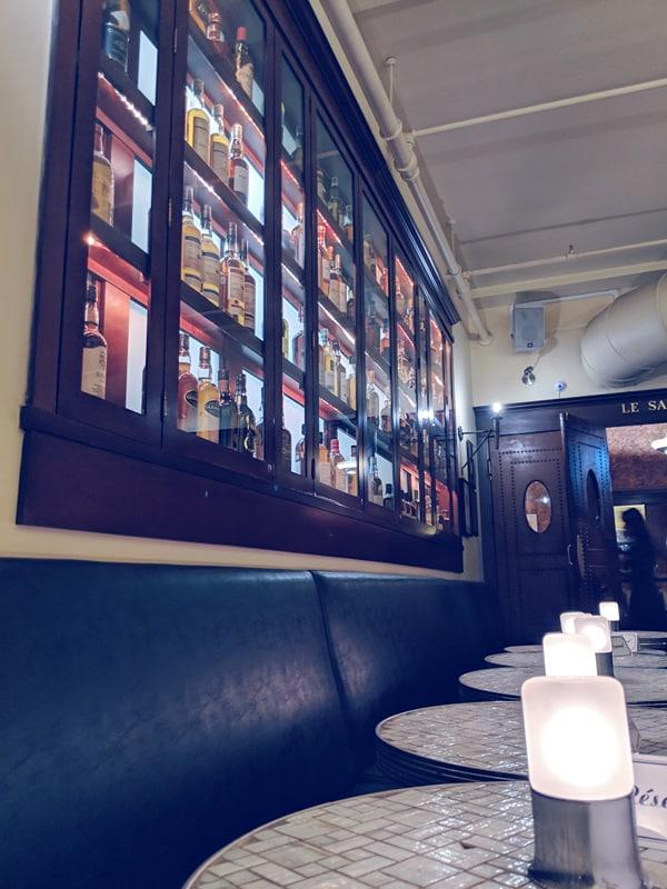 Whisky Café et l'endroit ou vous pouvez fumer un cigare.